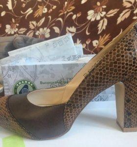 Туфли почти новые 37 размер