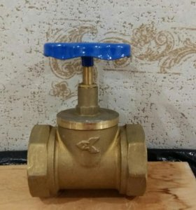Кран задвижка латунный (вентиль для воды) 50 мм.