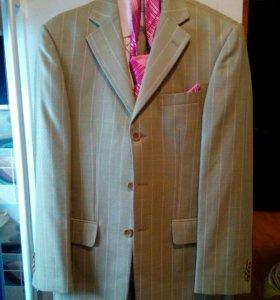 Фирменный мужской костюм