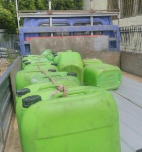 Канистры пластиковые 30 литровый 40штук осталось