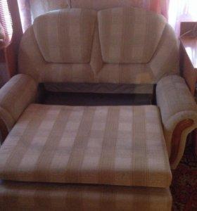 Диван и кресло б/у