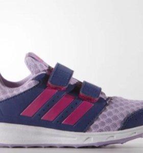 Продаю фирменные кроссовки