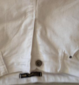 Белые джинсы новые 30 размер