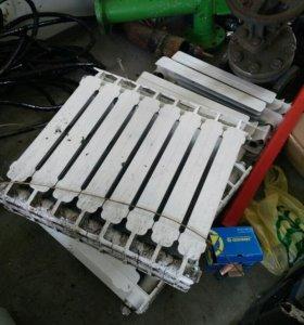 Радиаторы биметалл бу в отличном состоянии. Секции