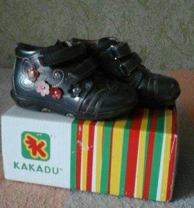 Продам ботинки малодетские