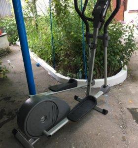Эллиптический тренажер Torneo (ТОРГ)