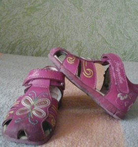 Продам сандали Капика