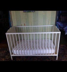 Кроватка детская с матрацом