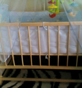 Детская кроватка качалка+колеса