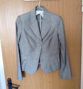 Новый льняной пиджак 44-46