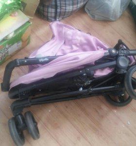 продаю отличную трехколесную прогулочную коляску