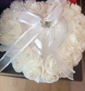Под кольца для свадьбы