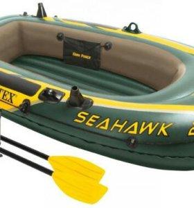 Лодка с веслами и насосом