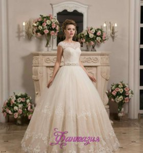 Размер 46-48.Продам новое свадебное платье.
