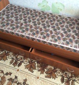 Кровать с матрацем ортопедическим две штуки