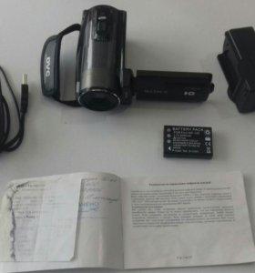 Продаю оригинальную видеокамеру SONY