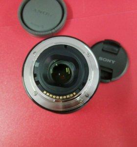 Объектив Sony 35mm f/1.8 (SEL35F18) Sony E (APS-C)