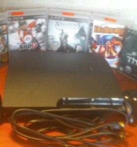 PlayStation 3 super slim.