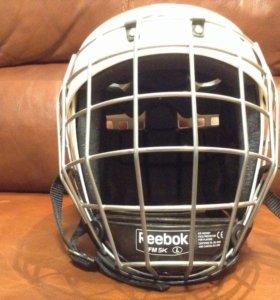 Хоккейный шлем,хоккей