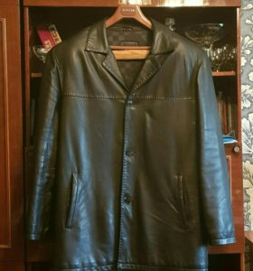 Мужской кожаный пиджак р-р 60.