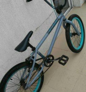 Велосипед BMX Giant