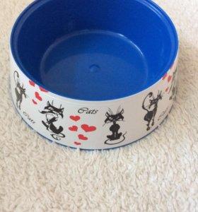Миска для кошек,новая Cats.