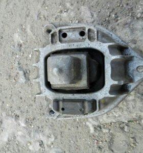 Подушка двс для БМВ F01,02