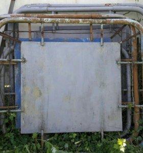 Продаю двое ворот по 3 метра  и калитка