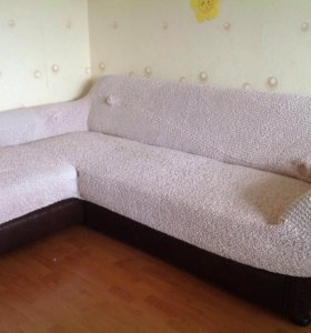 Большой раскладывающийся диван