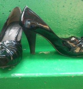 туфли лакированые черные и коричневые