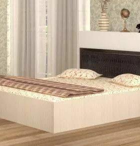 Кровать новая с вставкой из тёмной эко-кожи.
