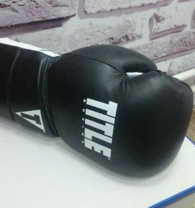 Перчатки боксёрские TITLE