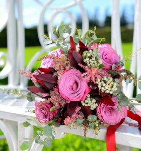 Свадебные букеты,бутаньерки, оформление цветами