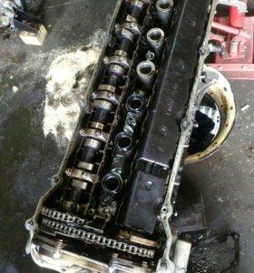 Двигатель на  БМВ м54 2.5