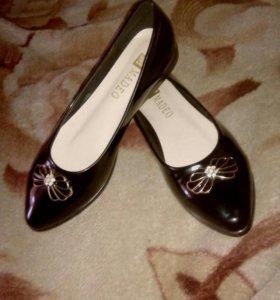 Туфли - балетки новые