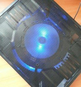 Подставка под ноутбук с вентелятором