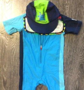 Купальный костюм и кепка от ультрафиолета