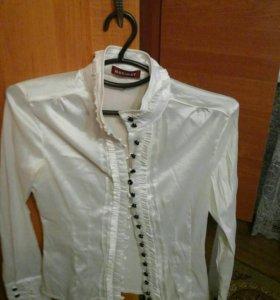 Рубашка офисная,почти новая