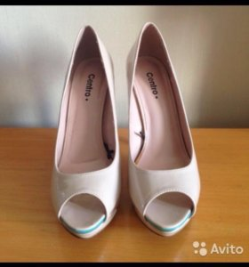 Туфли с открытым носом на высоком каблуке