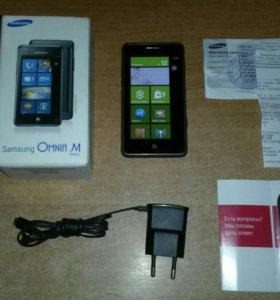 Смартфон Samsung Omnia M. GT 7530.