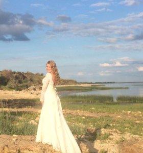 Свадебное платье 46 размер с открытой спиной