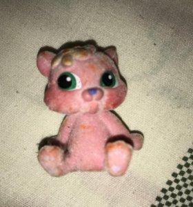 Розоватый котёнок