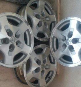 Диски литые Nissan R16