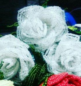 Цветы из бисера. Розы.