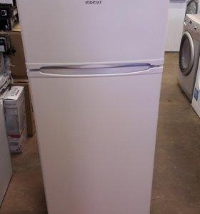 Новый холодильник Indesit MD 14
