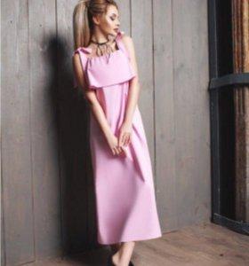 Платье нежно розового цвета