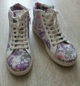 Обувь для девочки ( кеды )
