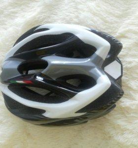 Шлем новый.
