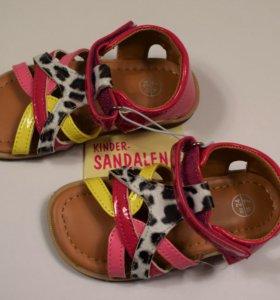 24 Детская одежда и обувь новая
