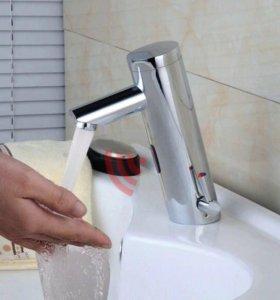 Сенсорный кран для раковины в ванную